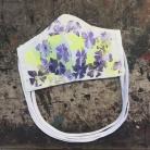 Květy modro-žluté