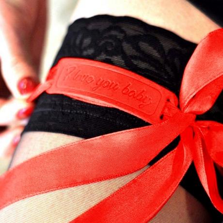 valentýnská stuha červená